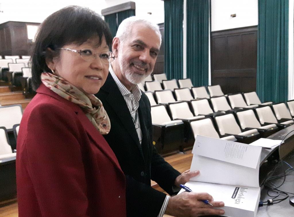Diretora da EPM, Emília Sato, e o Dr. Reinaldo Salomão